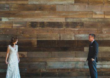 Elegent-wedding-event-venue using mixed width barn board