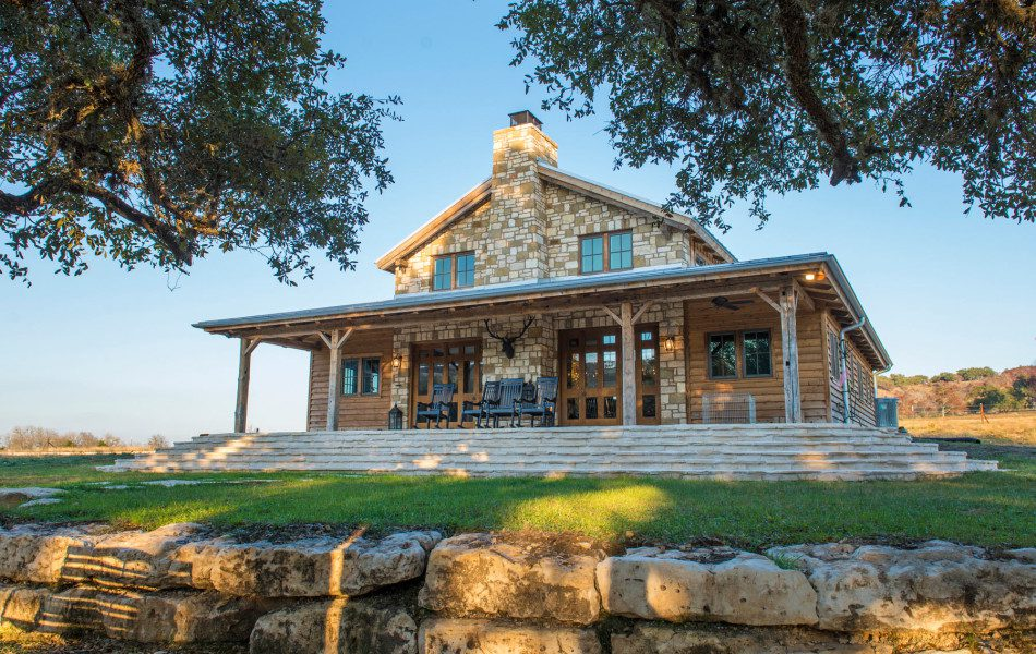 River-side-ranch-home-stone-post-and-beam-custom-design-950x633